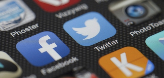 How To Maximize your Facebook and Twitter Privacy